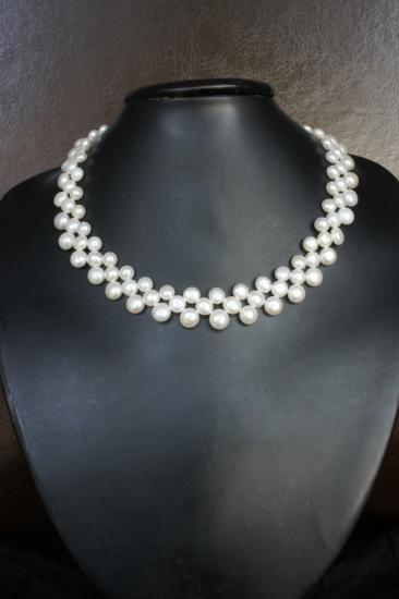 Modele de collier en perle de rocaille