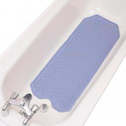 Un tapis de bain anti dérapant rassurera votre animal pendant la durée du shampooing. Ce sera beaucoup plus pratique pour lui de se rattacher à quelque chose plutot que de glisser sur le fond de le baignoire.