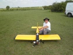 Jean-Michel le pilote et constructeur de l'avion