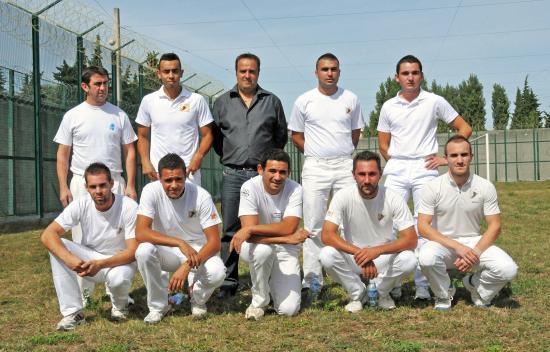 L'équipe de l'ET de Bouillargues et Cyril Daniel Président de la FFCC