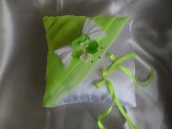 coussin carré blanc vert anis